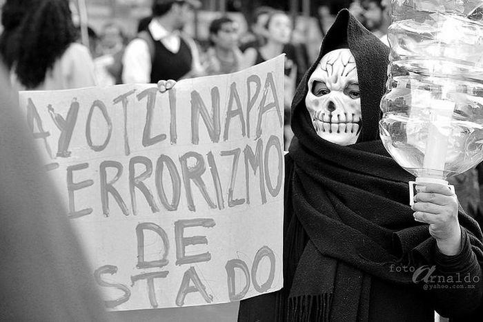 Image for Messico: cos'è davvero successo ai 43 studenti scomparsi?