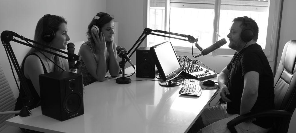 Image for Equinox: la radio francesa deBarcelona