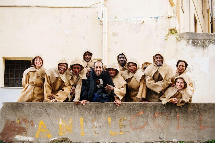 Image for Vade Retro: i migranti sul palco con il saio di San Benedetto