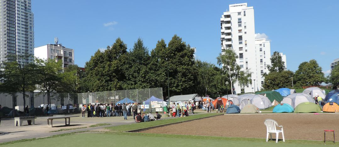 Image for Camp de réfugiés: solidarité citoyenne en action