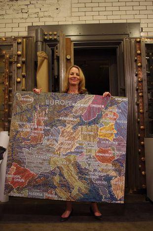 Image for Paula Scher: quando il confine è (letteralmente) la parola