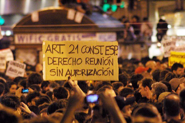 Image for De Madrid, le cri de 60 000 citoyens : « Réveillez-vous, c'est le printemps »