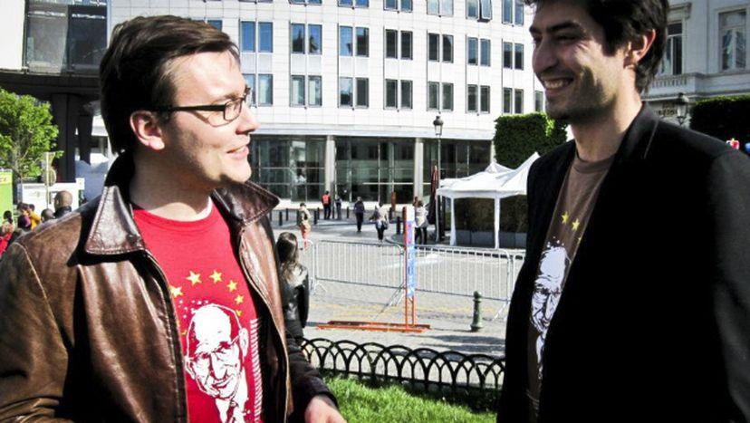Image for P- LUX: koszulki dla Europejczyków