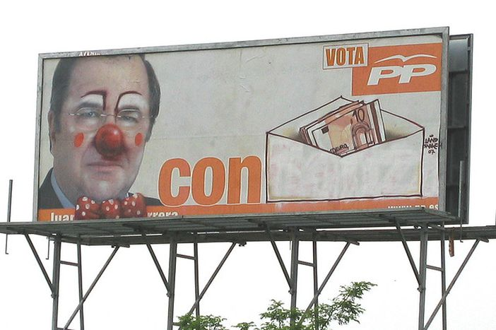 Image for Esperanza, ruido y tapas: el circo electoral en España