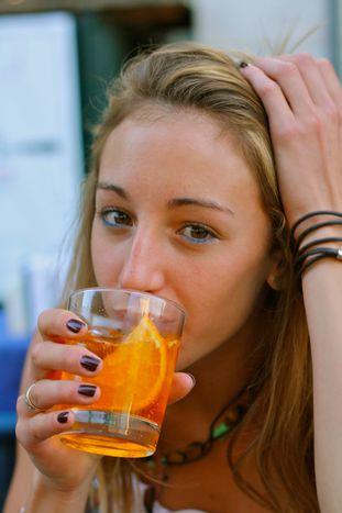Image for Spritz Aperol, arriva l'onda arancione