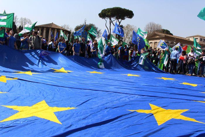 Image for Tutti i colori della marcia per l'Europa