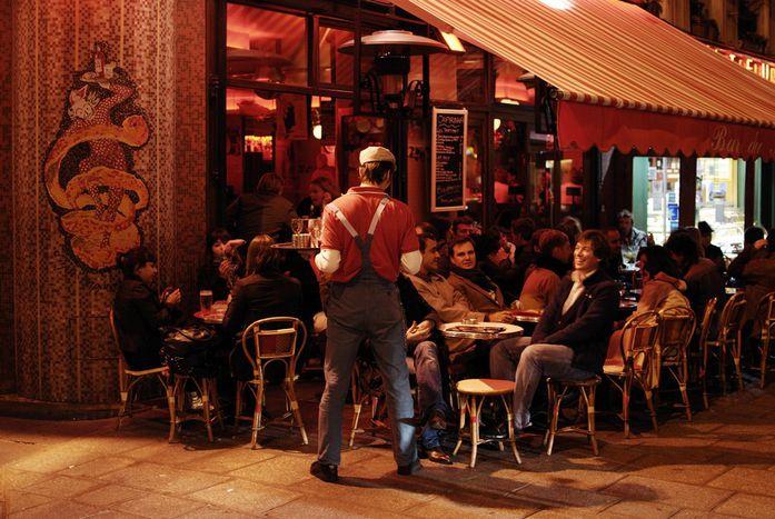 Image for Paryż: Imprezowe burnout nad Sekwaną