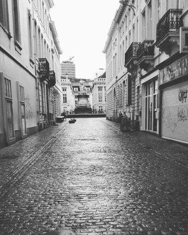 Image for Bruselas, crónicadeuna capitalen alerta