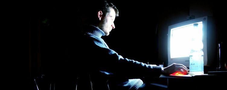 Image for Dark Web: Weder ganz dunkel, noch ganz hell