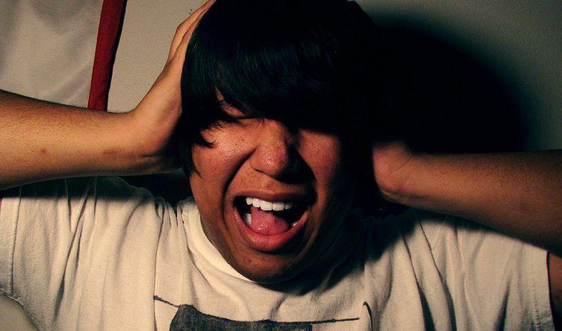 Image for Schrille 'Mosquitos' gegen lungernde Teenager