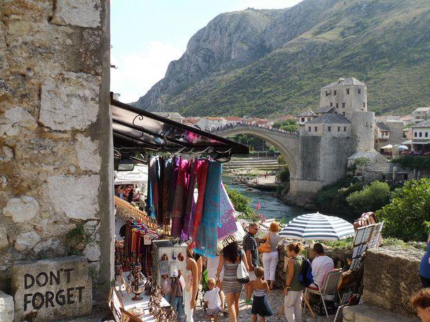 Image for Un'infanzia tra la Bosnia e l'Austria