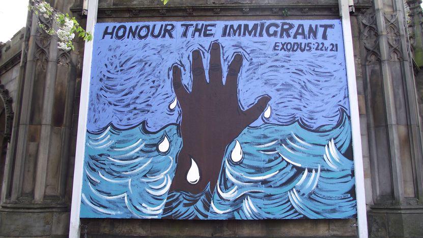 Image for Le tre bugie sull'immigrazione a cui non dovete credere