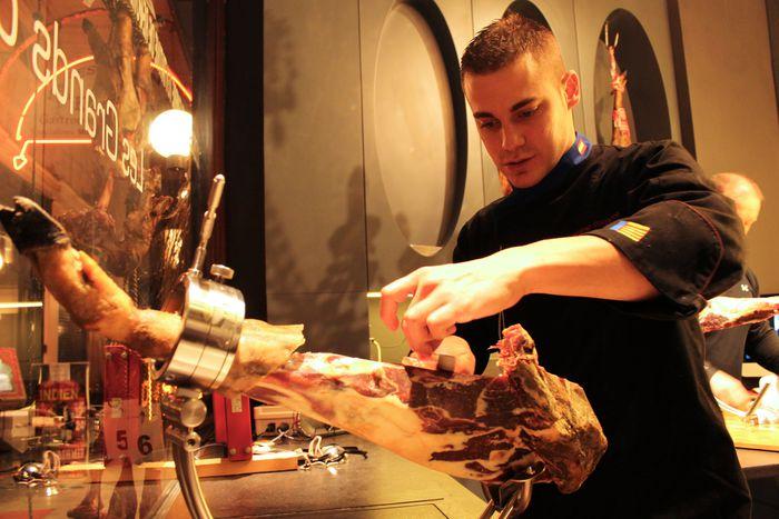 Image for Noé Bonillo, El hombre que cortó92 kilos de jamón
