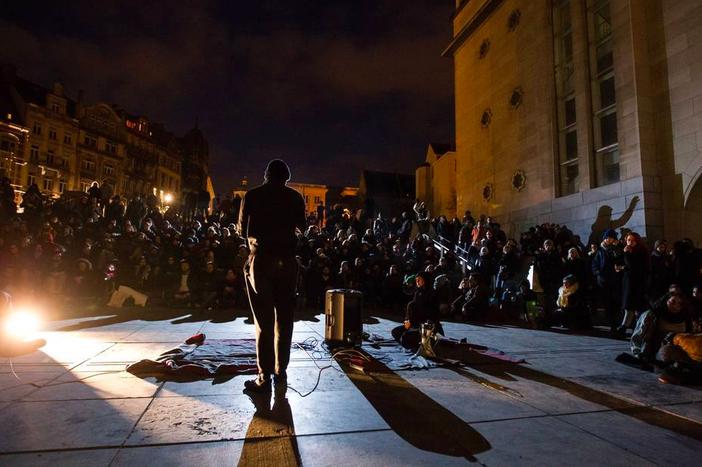 Image for Debout, dans laNuit de Bruxelles