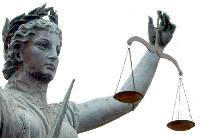 Image for Euro Reformas de la Justicia: magistrados en el punto de mira de los gobiernos