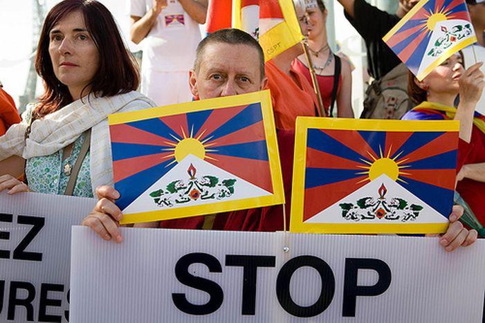 Image for JO : l'Europe s'enflamme pour le Tibet