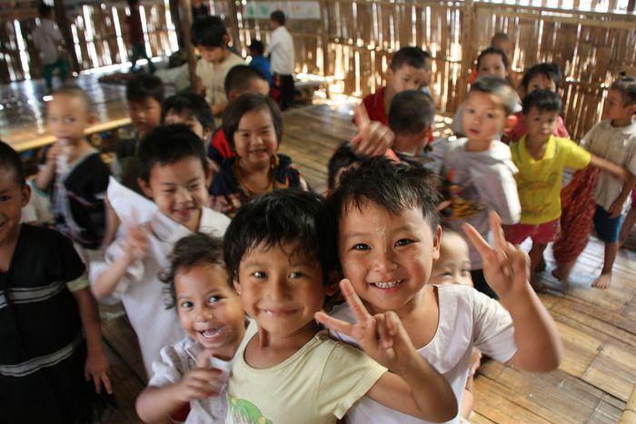 Image for «I bambini non sono piccoli adulti » : verso una strategia europea per i diritti dell'infanzia.