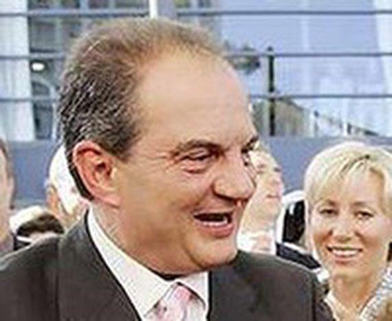 Image for Griechenland: Karamanlis bleibt am Ruder
