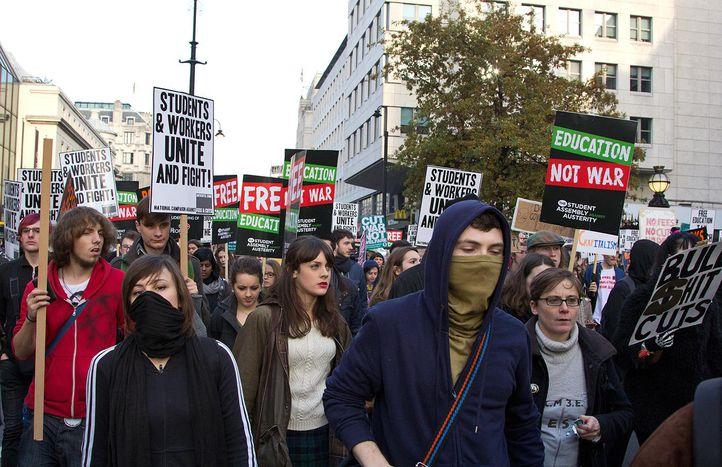 Image for Pourquoi le radicalisme séduit-il la jeunesse européenne ?