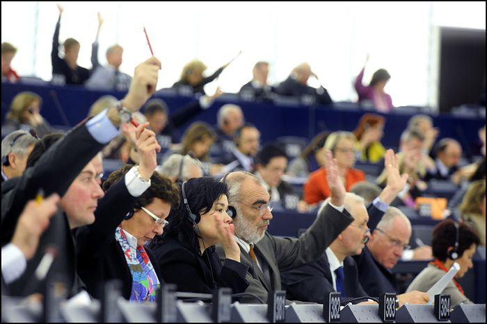 Image for Schulz, Muscardini, Farage: i più assenteisti al Parlamento europeo