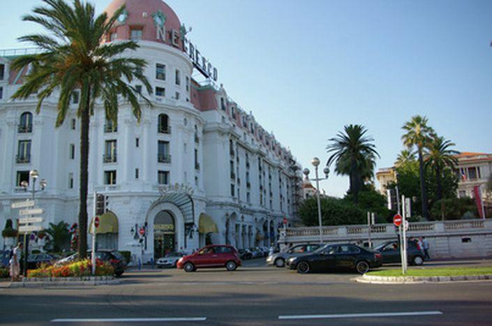 Image for Niza: más inmobiliarias que supermercados