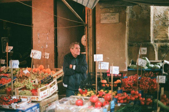 Image for Cinque sensi (anzi sei) per riscoprire i mercati di Palermo