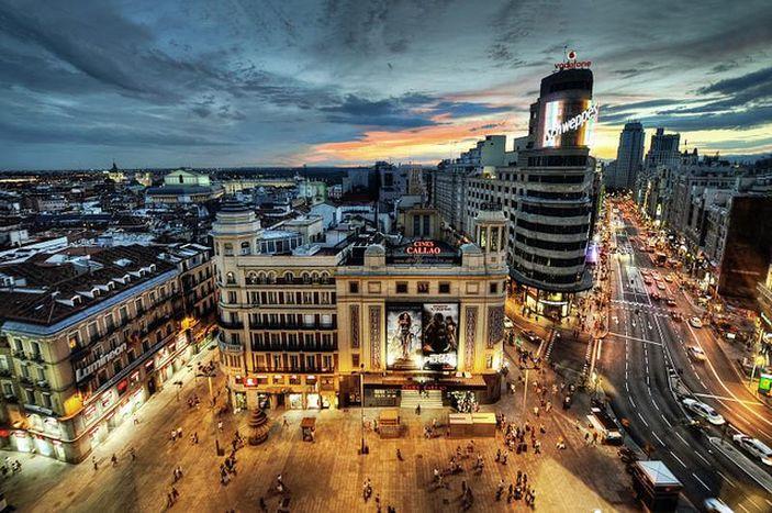 Image for El turismo extranjero se debate entre Madrid y Barcelona