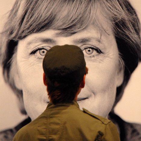 Image for Angela Merkel: Madame Nons neue Europaschiene