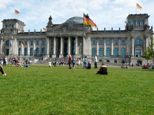 Image for ELECTORALLEMAND : Allemagne : la campagne démarre (enfin)