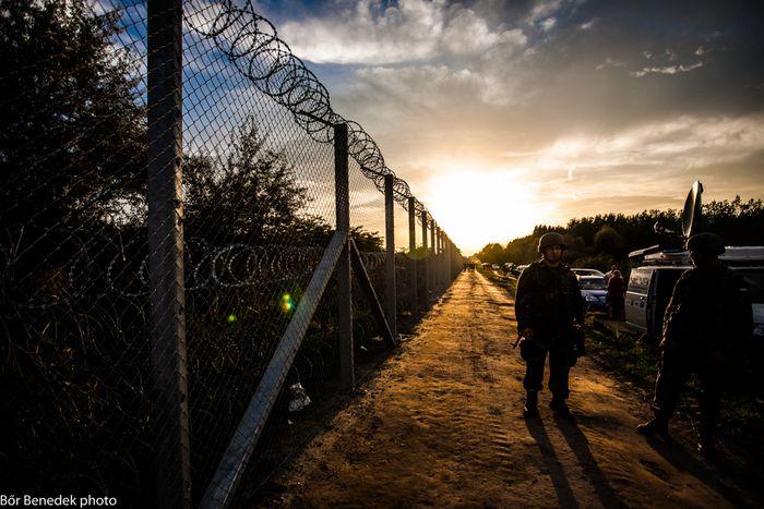 Image for Crise migratoire : régler le problème à la sourcepour mieux l'oublier chez soi ?