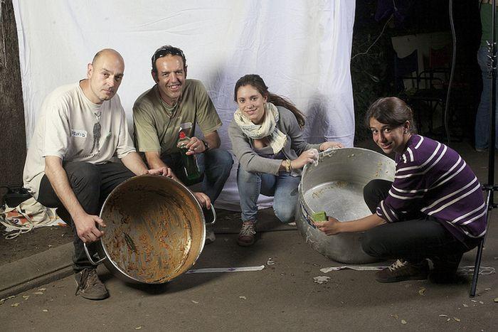 Image for Il ritratto degli indignados, dalla piazza alla vita di quartiere