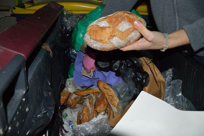 Image for Voyage dans les poubelles