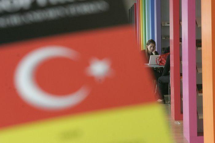 Image for Foire du livre de Francfort 2008 : une tournée littéraire turco-allemande