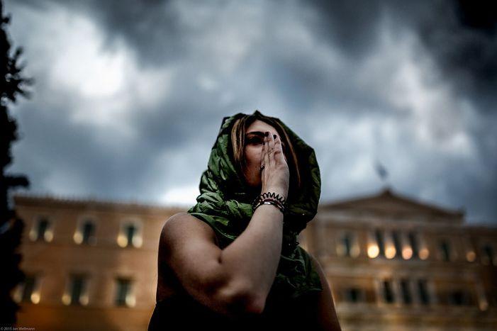 Image for Jeunes européens, ce qui arrive à la Grèce est-il juste ?
