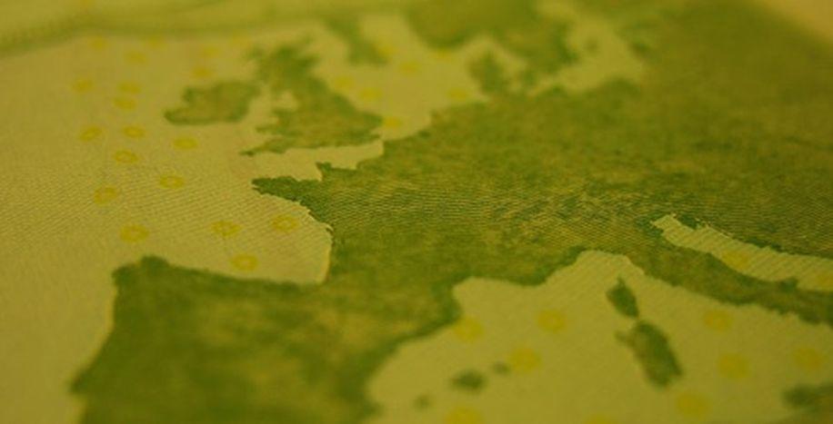 Image for Ampliación: Europa y los 27 enanitos