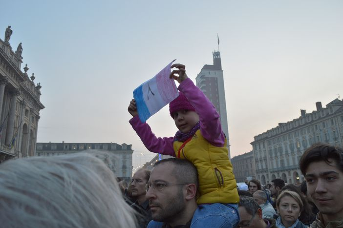 """Image for Turin dans les rues pour Paris. La communauté musulmane: """"Not in my name"""""""