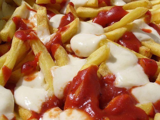 Image for Las patatas fritas 'Schranke': kétchup y mayonesa con historia