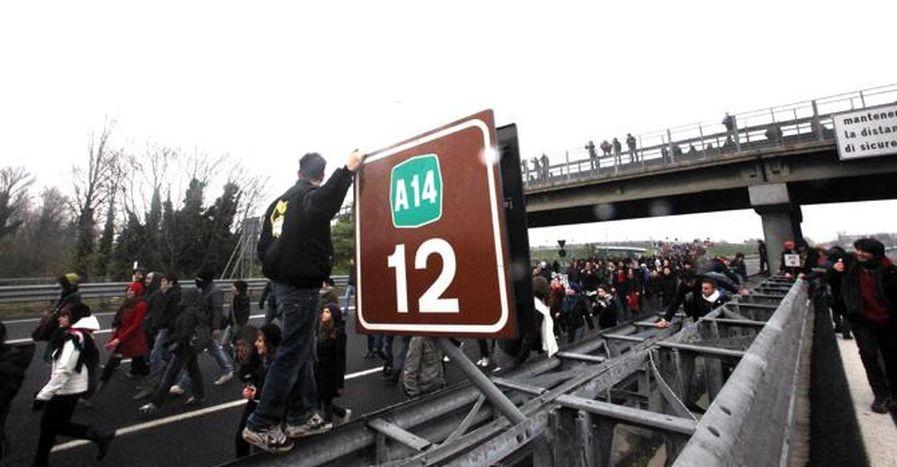 """Image for Bunt studentów w Bolonii: """"Zwyciężymy!"""""""