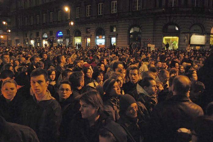 Image for Varsavia in lutto per la morte del Presidente